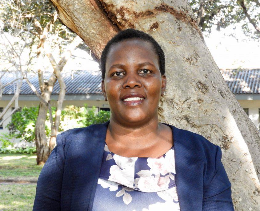 Ms Thola Ncube
